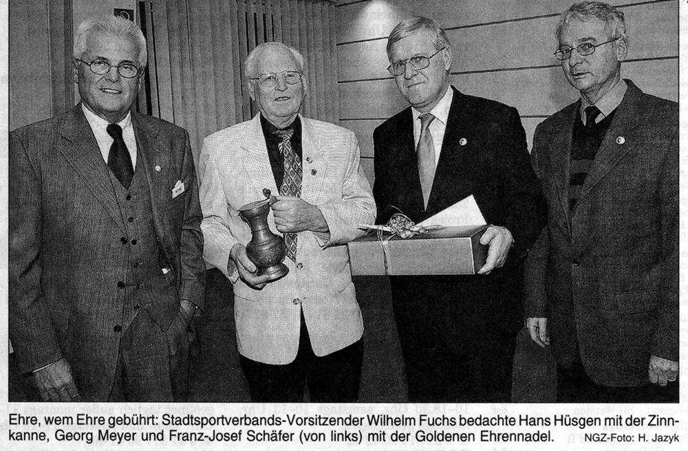 Hans Hüsgen erhält Ehrenkanne